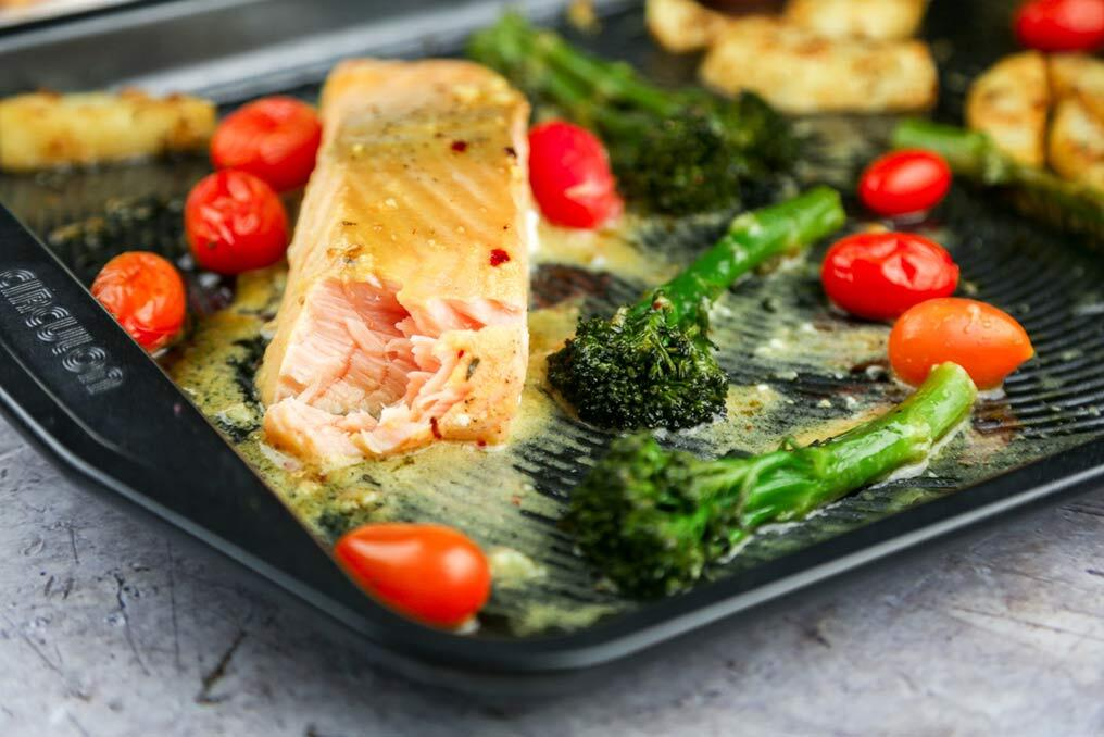 Sheet-pan-salmon-with-roasted-tenderstem-and-potatoes7